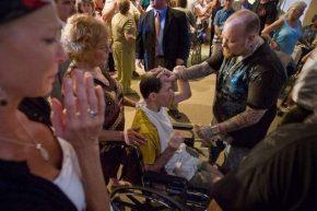 Todd Bentley praying for healing