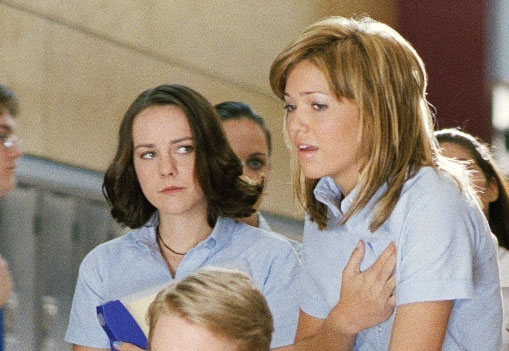 Jena Malone and Mandy Moore in Saved