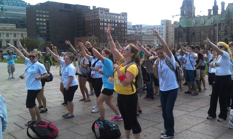 Flash mob Church on the Hill